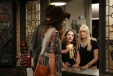 2-broke-girls-3x01-10