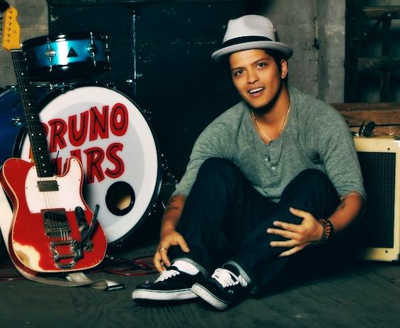 """Assista ao novo e maravilhoso clipe do Bruno Mars, """"Gorilla"""""""