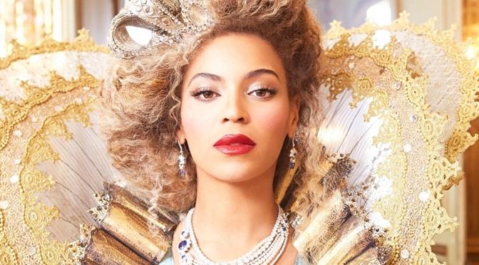 Beyoncé lança novo álbum e clipes