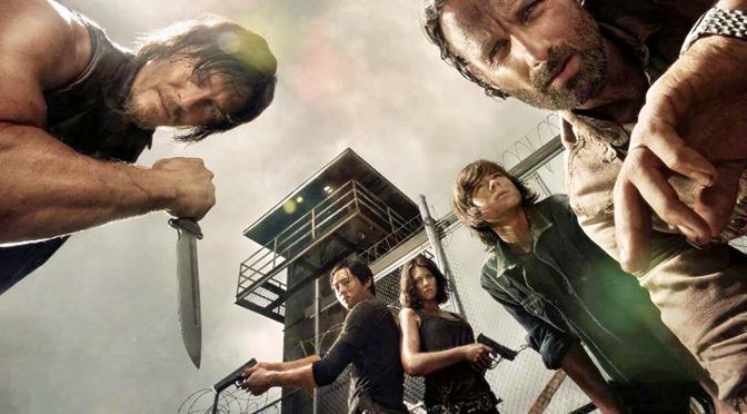 Andrew Lincoln e fã de The Walking Dead pregam peça em Norman Reedus